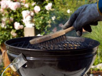 charcoal grill cleaning
