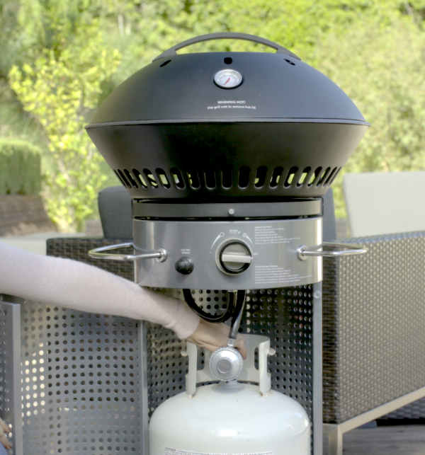 closing the propane tank on gas grill