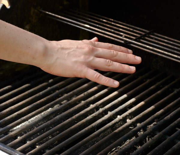gas grill hand temperature test