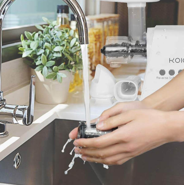 cleaning masticating juicer
